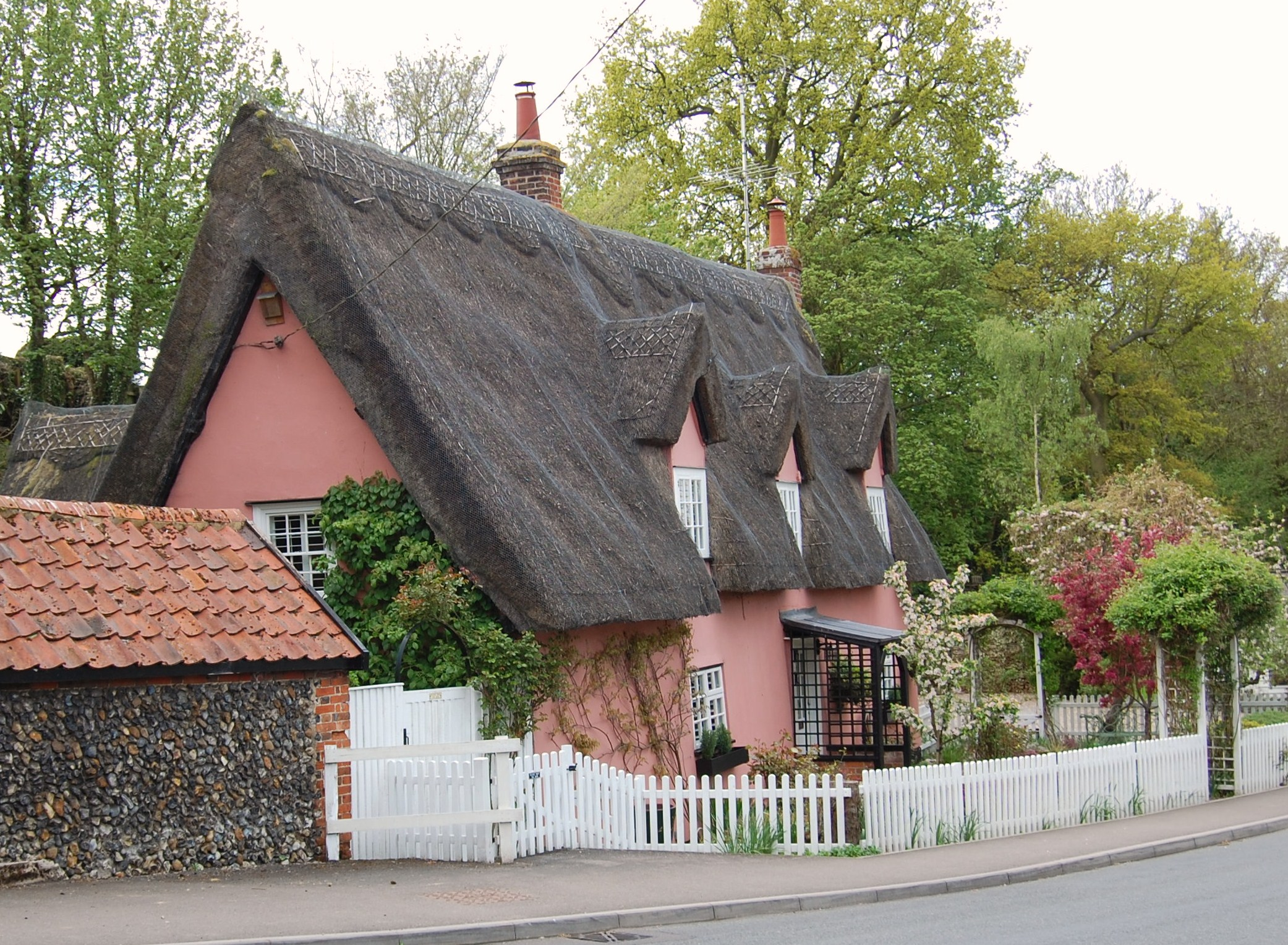 An Age Old Dream The Thatched Cottage Shortfinals S Blog